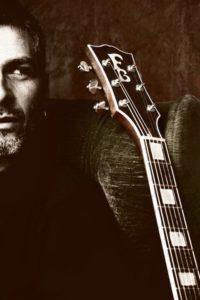 Photo de Frank - Luthier de Cosmik guitare sur Lille